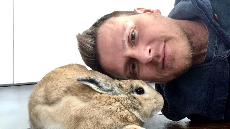 Шон говорил, что не любит животных, но затем встретил Шерифа и пропал… (16 фото)