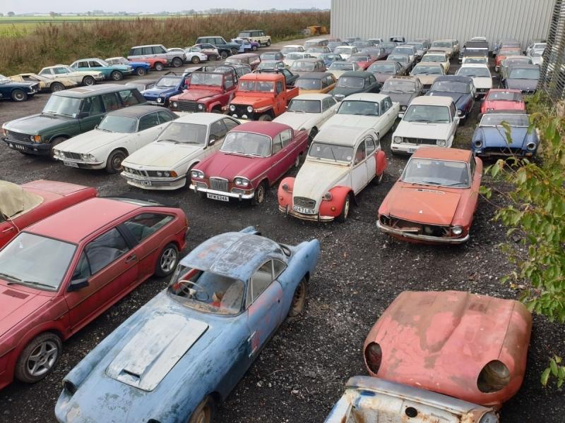 В Англии нашли старые амбары, в которых хранилось больше сотни ретро-автомобилей - «Хорошее настроение»