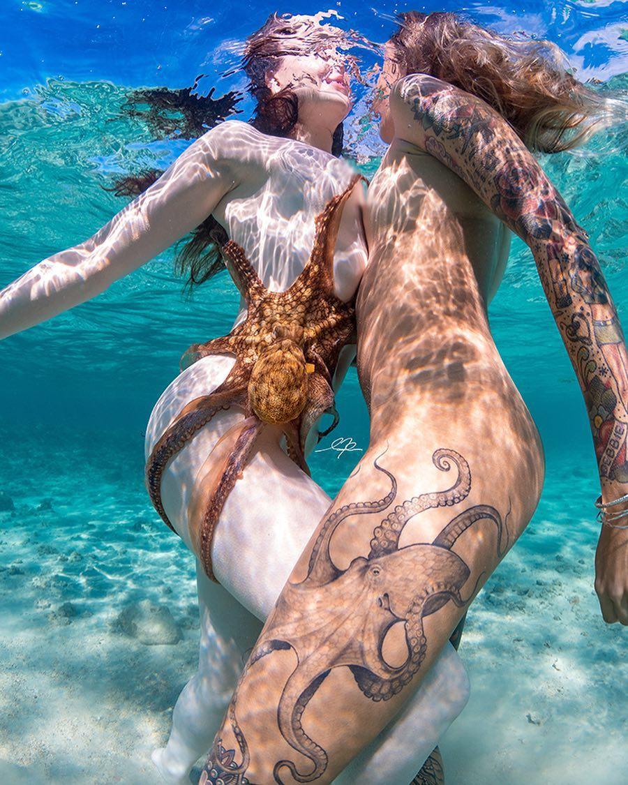 Обнаженные девушки в воде на снимках Мусаши - «Хорошее настроение»