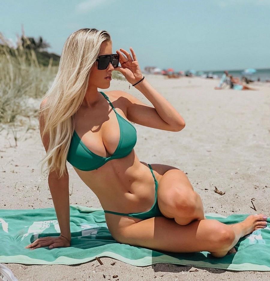 Сексуальные девушки в солнцезащитных очках - «Хорошее настроение»