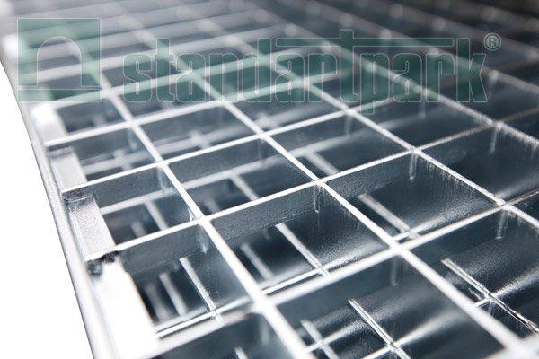 Прессованный решетчатый настил – лучший материал для изготовления лестниц - «Фото»