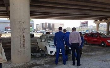 В Волгограде автомобиль прокурора случайно залили бетоном (3 фото) - «Хорошее настроение»