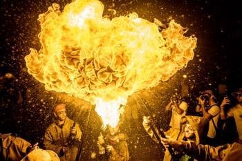 Дыхание огнем и испанский праздник Санта-Текла (12 фото) - «Хорошее настроение»