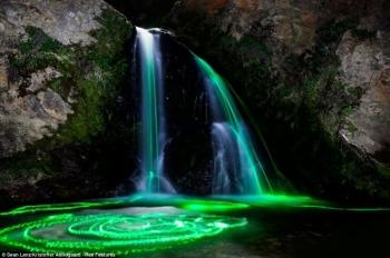 Неоновые водопады (6 фото) - «Хорошее настроение»