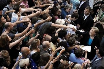 «Поколения селфи» кандидат в президенты США Хиллари Клинтон (2 фото) - «Хорошее настроение»