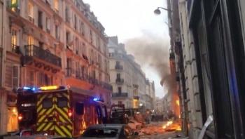 Мощный взрыв бытового газа прогремел в центре Парижа, есть пострадавшие (7фото+1видео)