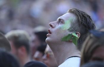 Музыкальный Falls Festival в Австралии - «Хорошее настроение»