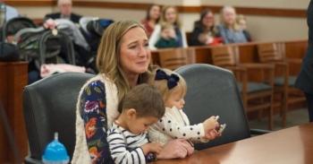 Приемная мать случайно узнала, что ее дети - родные брат и сестра! (8фото)