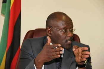 Размер играет роль: министр из Зимбабве раскритиковал китайские презервативы (4фото)