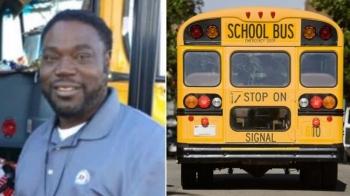 Водитель школьного автобуса купил рождественские подарки всем своим пассажирам (4фото)