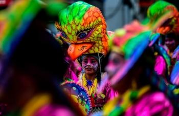 Яркий карнавал чернокожих и белых в Колумбии - «Хорошее настроение»