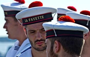 История появления красного помпона на бескозырке французских моряков - «Фото»