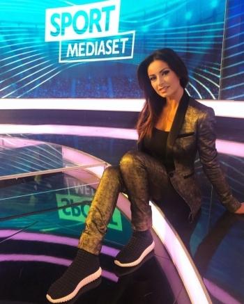 Моника Бертини - самая горячая итальянская журналистка - «Хорошее настроение»