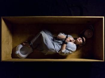 Семь лет ада: супруги-садисты похитили девушку, насиловали и прятали в ящике под кроватью (14 фото)