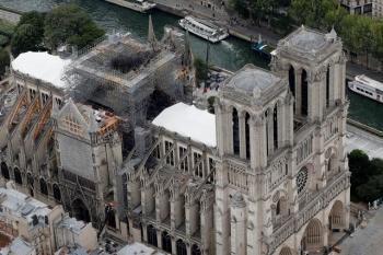 Как проходит восстановление собора Парижской Богоматери (19 фото)