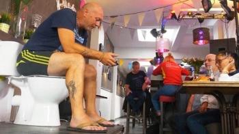 Мужчина из Бельгии установил очень странный мировой рекорд (2 фото + видео)