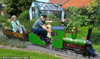 Британец построил собственную железную дорогу (6фото)