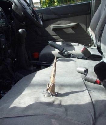 Повезло, что руль оказался справа (3 фото)
