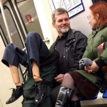 Приколы в общественном транспорте (22 фото)