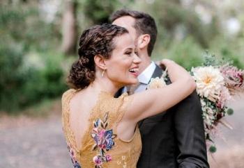 Банда енотов ворвалась на свадебную фотосессию и сделала ее лучше - «Хорошее настроение»
