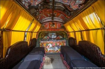Грузовики и автобусы в Пакистане (21 фото)