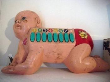 Странные детские игрушки (21 фото)