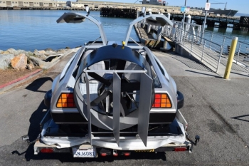 Такого вы еще не видели: DeLorean DMC-12 из фильма «Назад в будущее» на воздушной подушке (24 фото + видео)