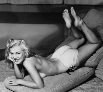 Домашние фотографии Мэрилин Монро в молодости (23 фото)
